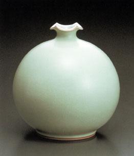 粉青輪花口花瓶